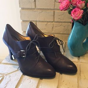 "NWOT Banana Republic Berenice 4"" booties."